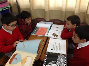 Readers in Tere's second grade class choose their own just-right books in Guadalajara!